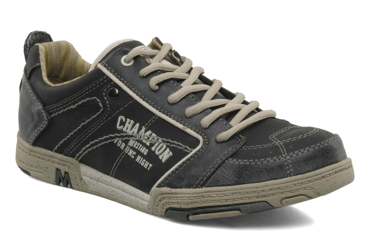 Sneakers Attelage by Mustang shoes
