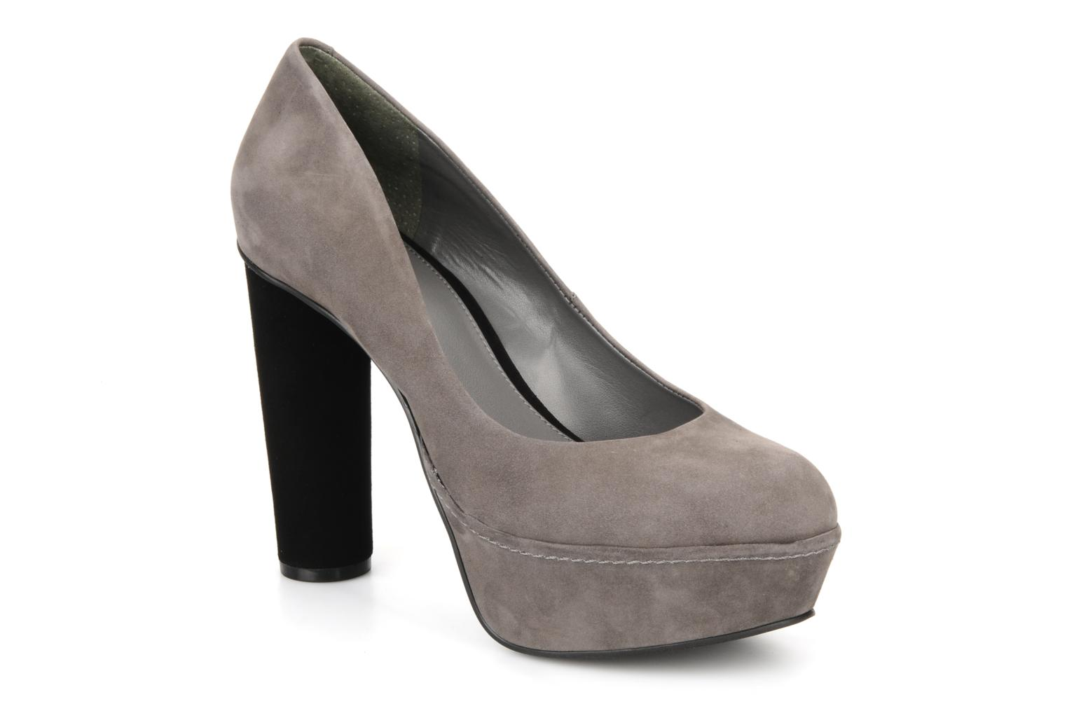 Pumps Anyway by Carvela