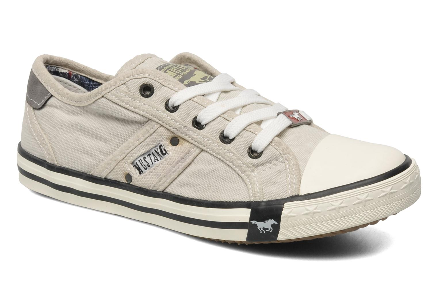Sneakers Flaki by Mustang shoes