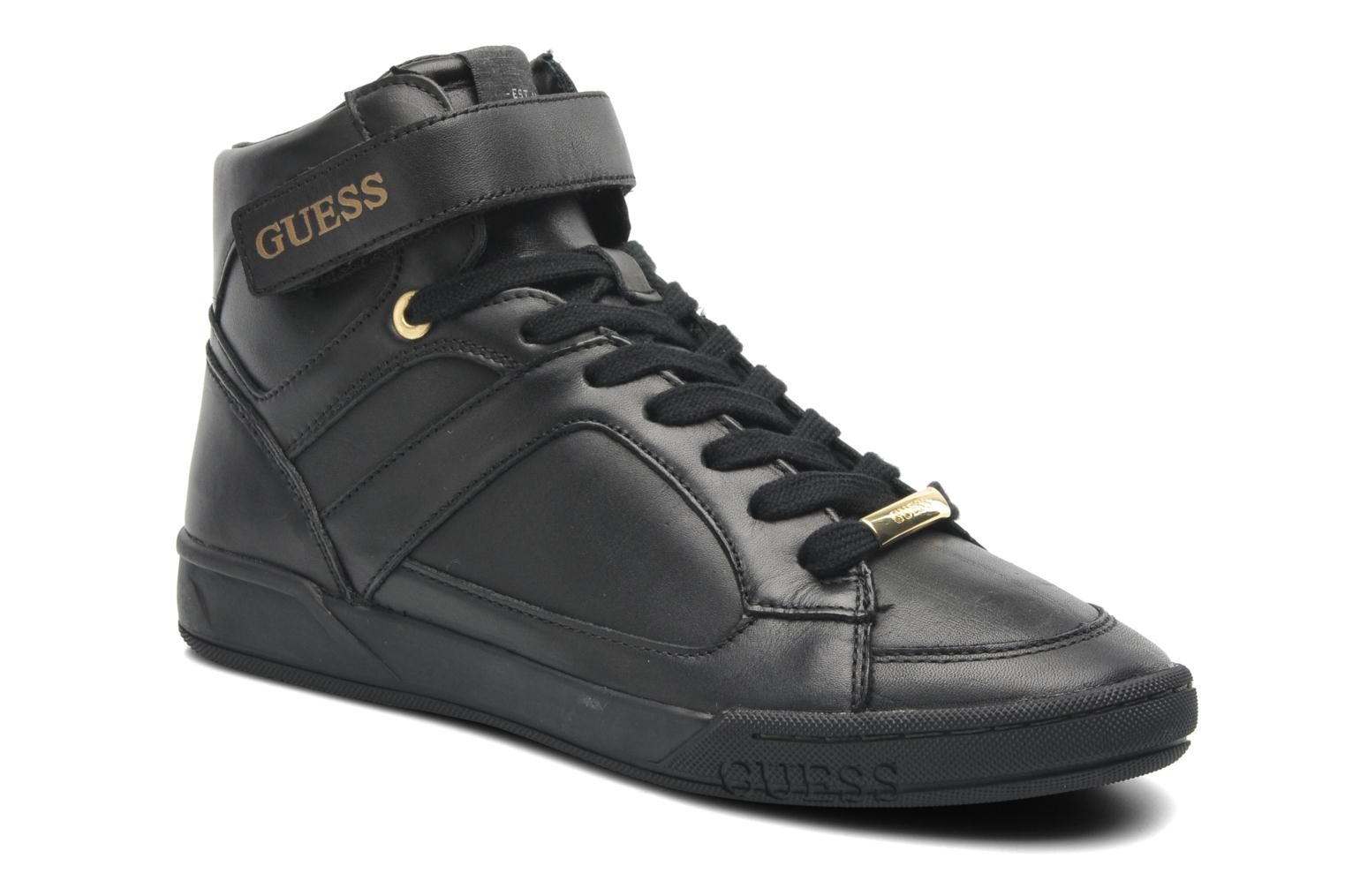 Sneakers Moral by Guess
