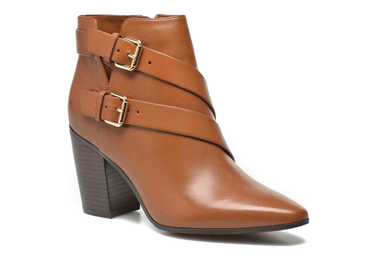 Boots en enkellaarsjes Guess Bruin