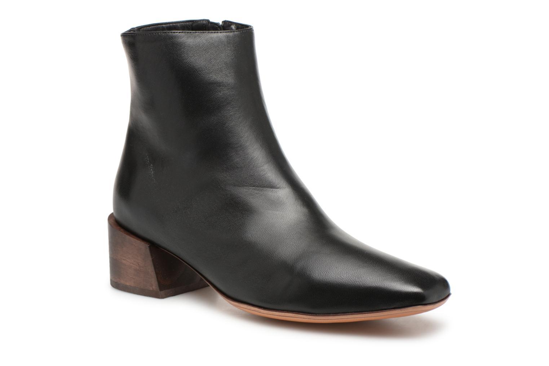 Boots en enkellaarsjes Mari Giudicelli Zwart