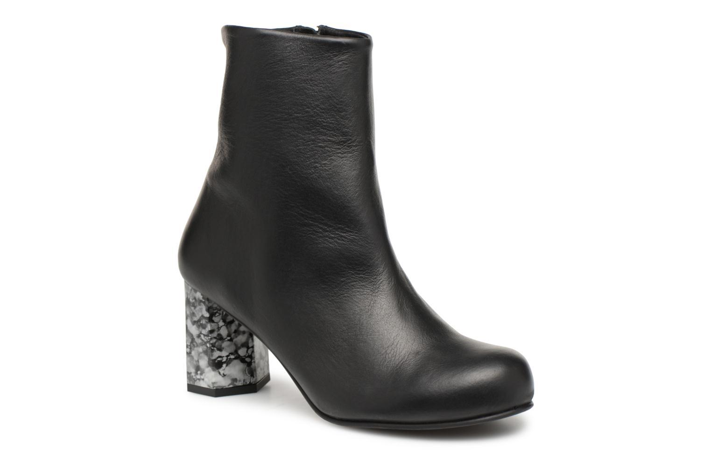 Boots en enkellaarsjes Another Project Zwart