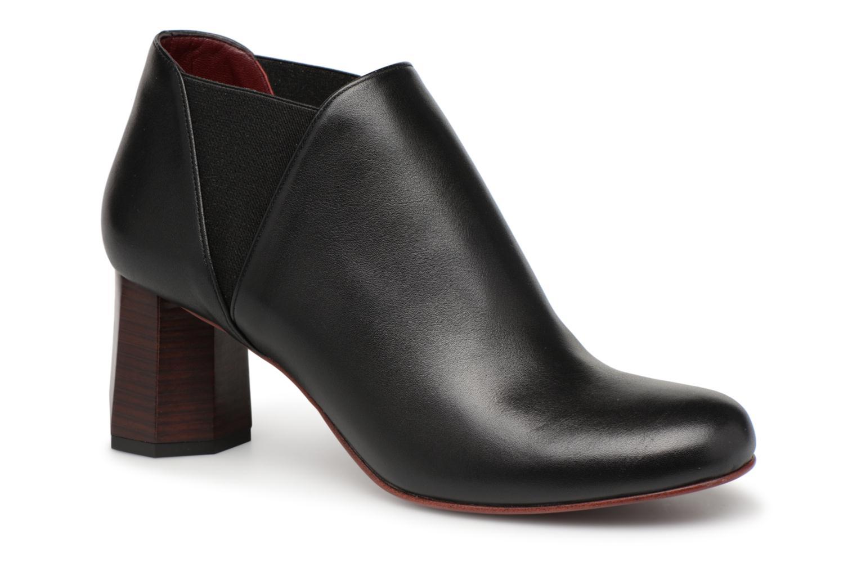 Boots en enkellaarsjes Avril Gau Zwart