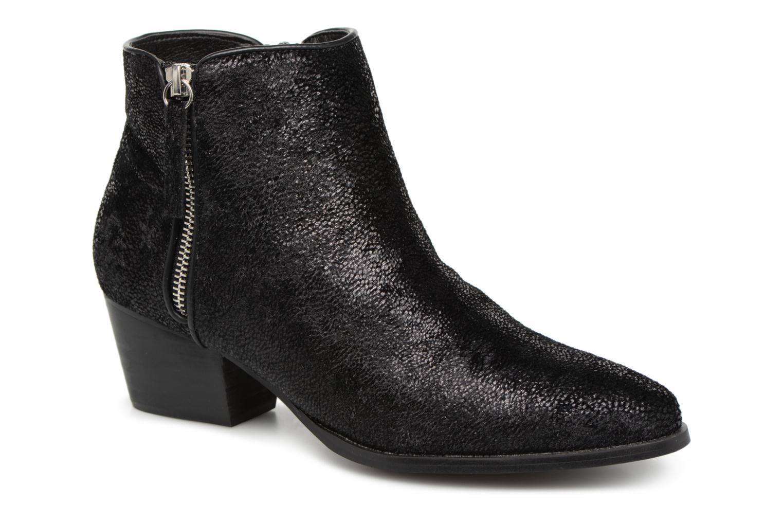 Boots en enkellaarsjes Vanessa Wu Zwart