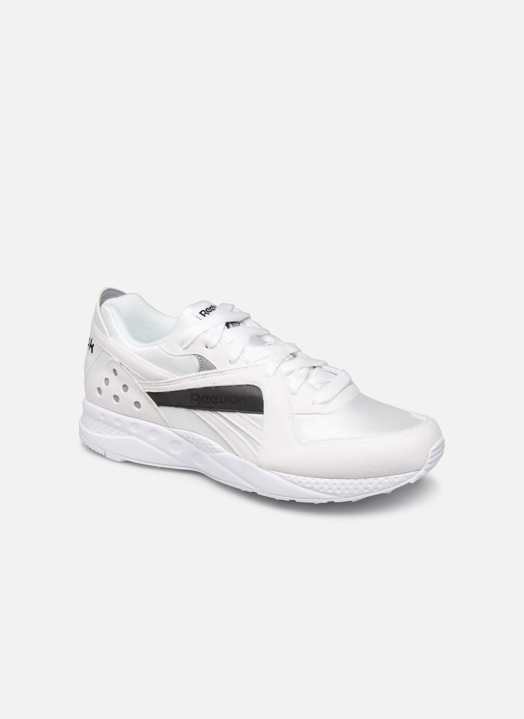 Sneakers Pyro M by Reebok