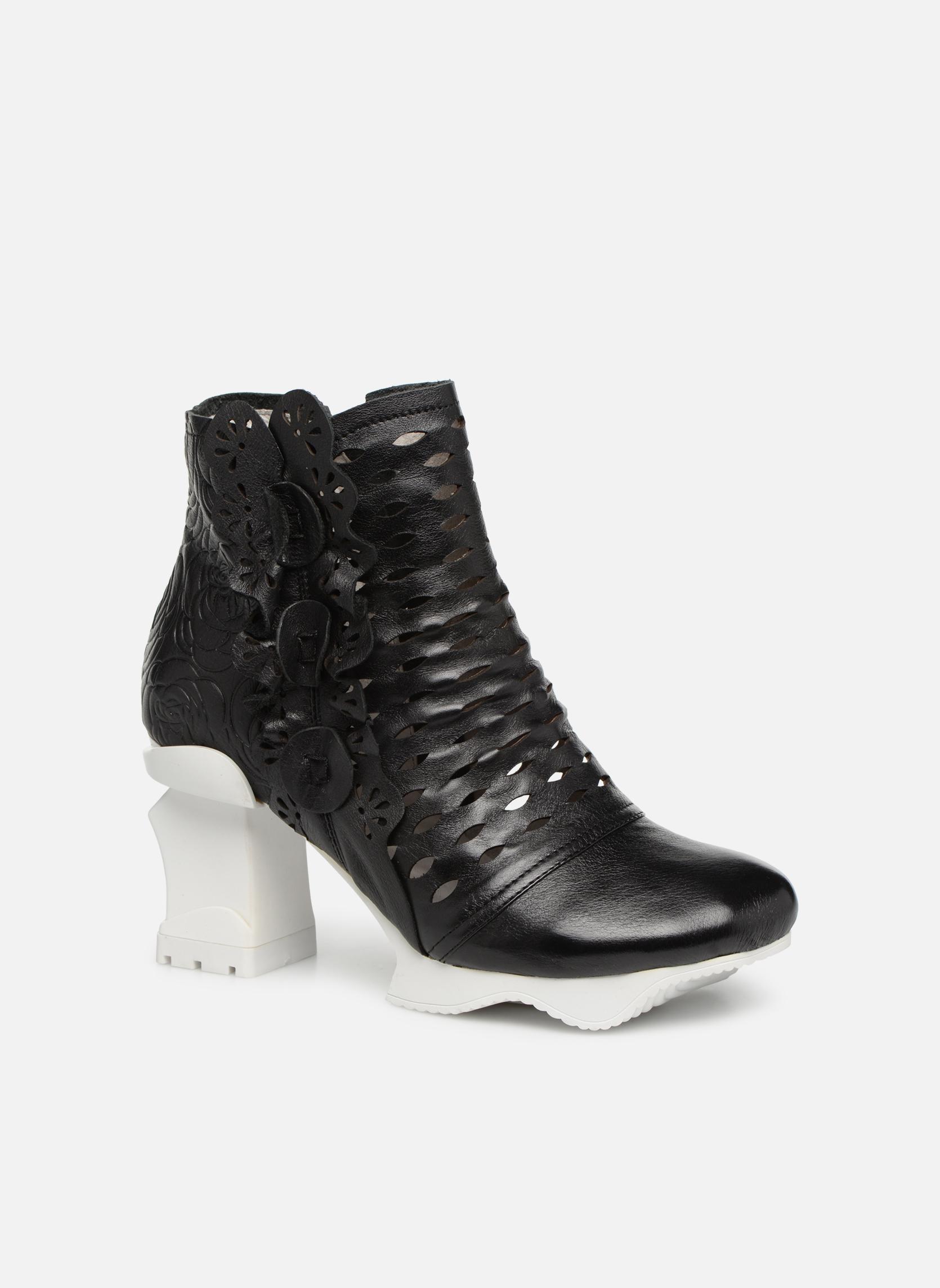 Boots en enkellaarsjes Laura Vita Zwart