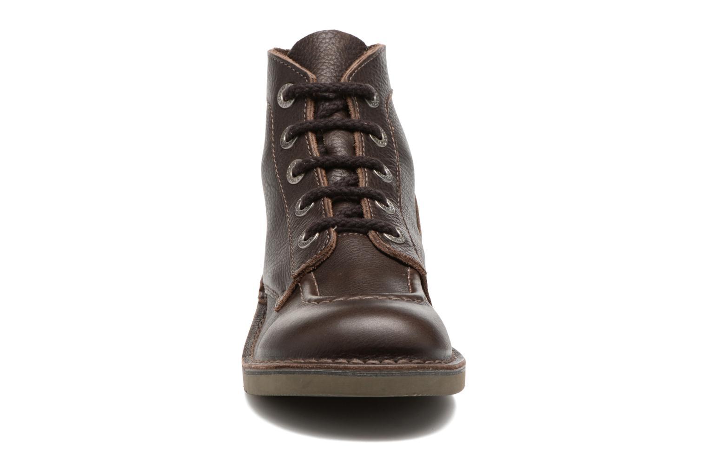 Snörade skor Kickers Kick Col Brun bild av skorna på