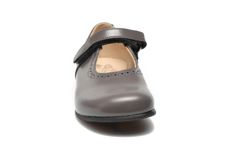 Ballerines Start Rite Delphine Gris vue portées chaussures