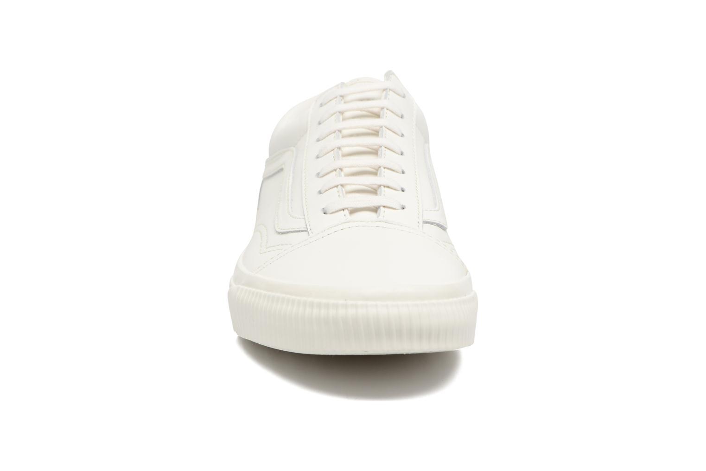 Baskets Vans Old Skool W Blanc vue portées chaussures