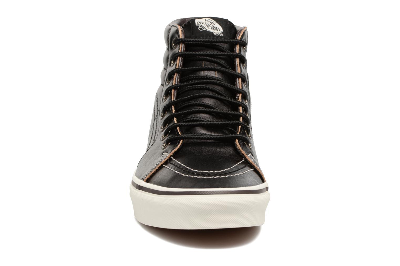 Sneakers Vans SK8 Hi M Nero modello indossato