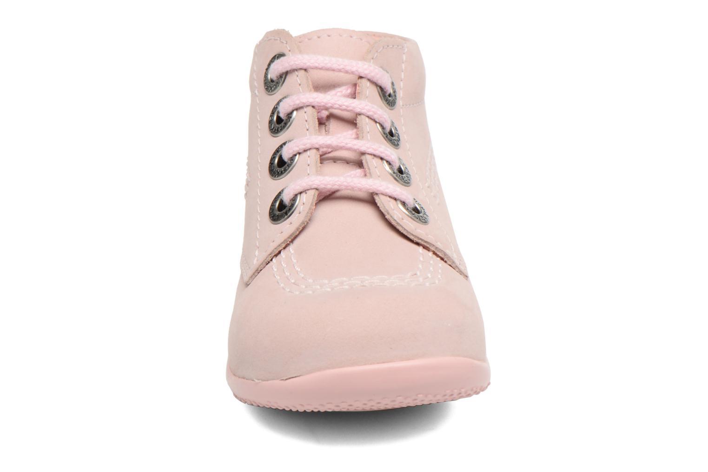 Snøresko Kickers Billy Pink se skoene på