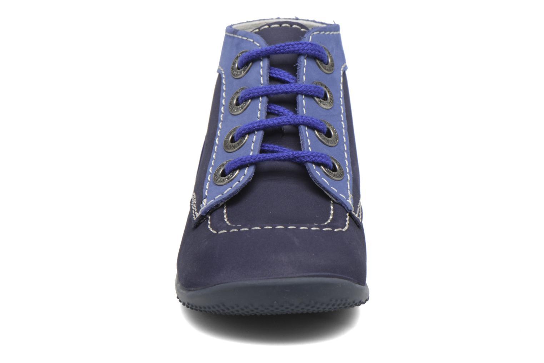 Boots Kickers Bonbon Blå bild av skorna på