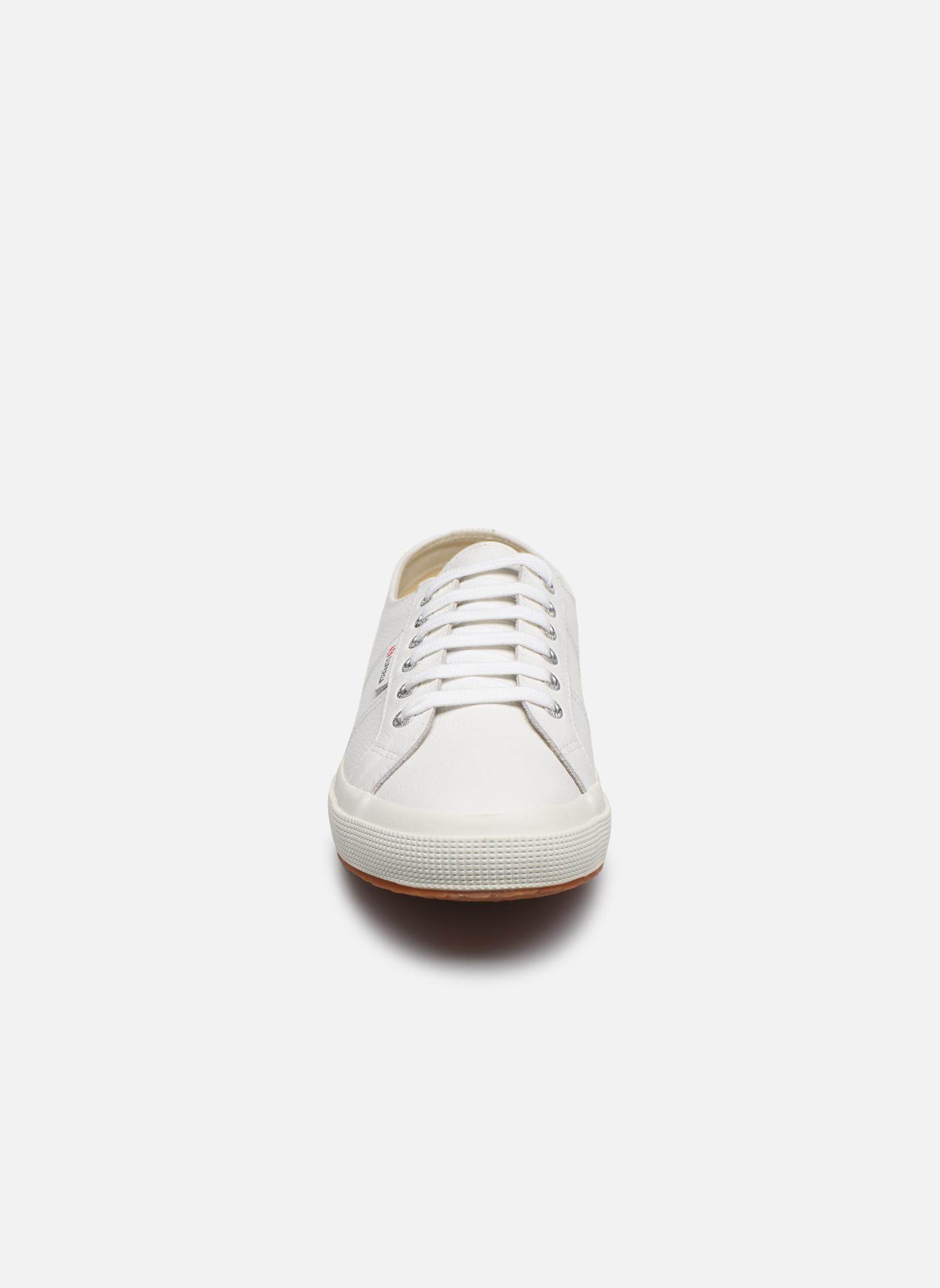 Sneaker Superga 2750 FGLU weiß schuhe getragen