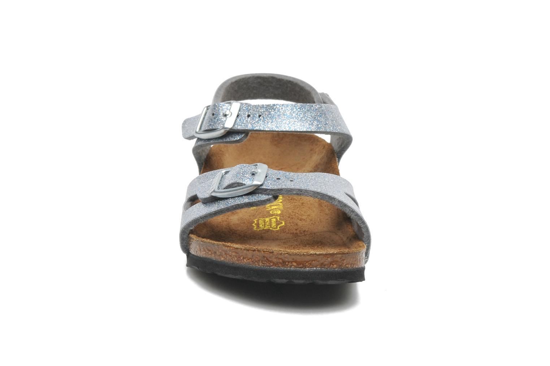 Sandales et nu-pieds Birkenstock Rio Argent vue portées chaussures