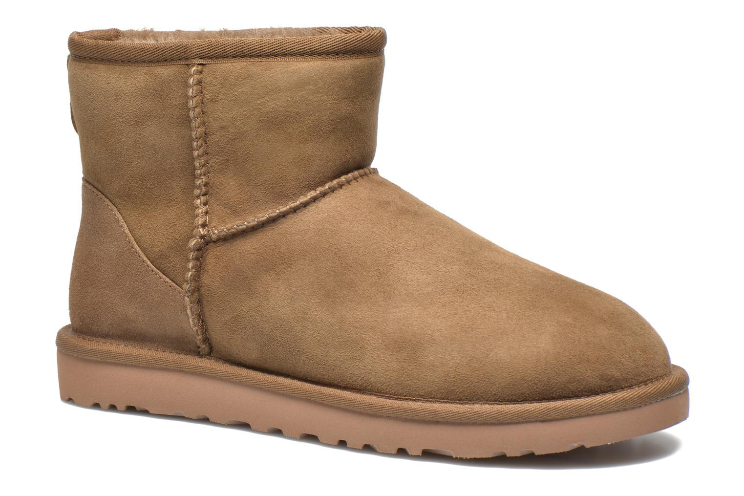 Ankle boots UGG Classic Mini Beige detailed view/ Pair view