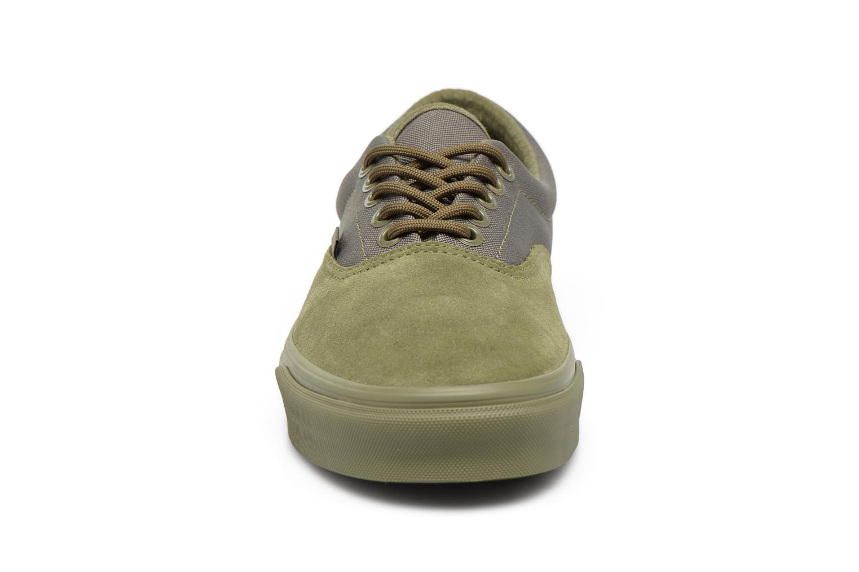 Baskets Vans Era M Vert vue portées chaussures