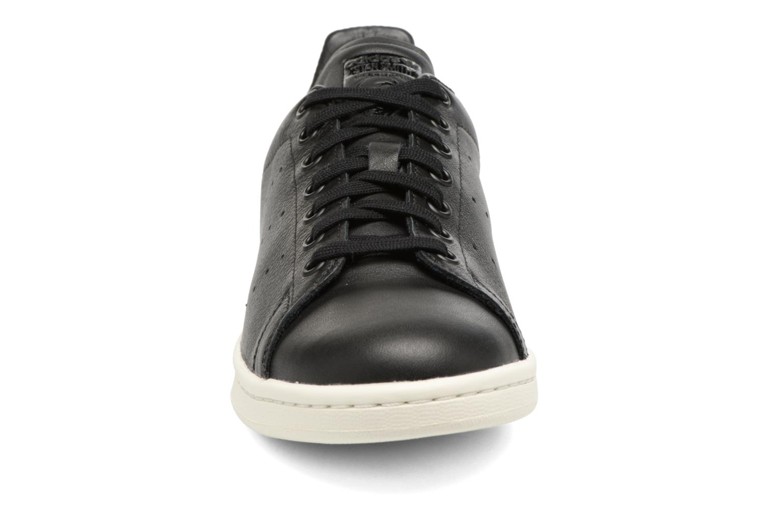 Trainers Adidas Originals Stan Smith Black model view