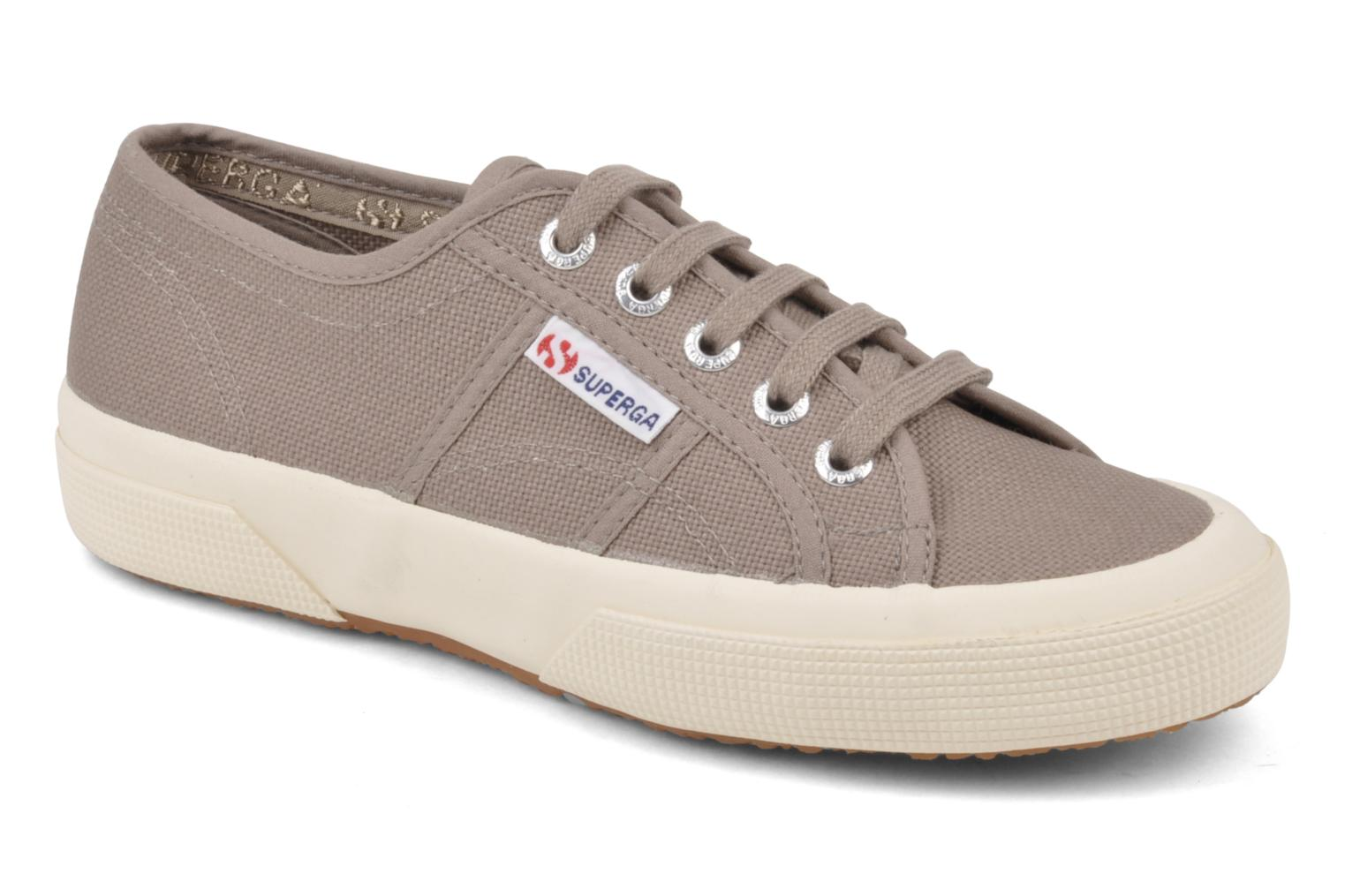 Trainers Superga 2750 Cotu W Brown detailed view/ Pair view