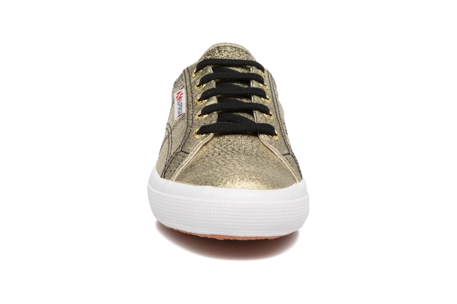 Sneakers Superga 2750 Lame W Nero modello indossato