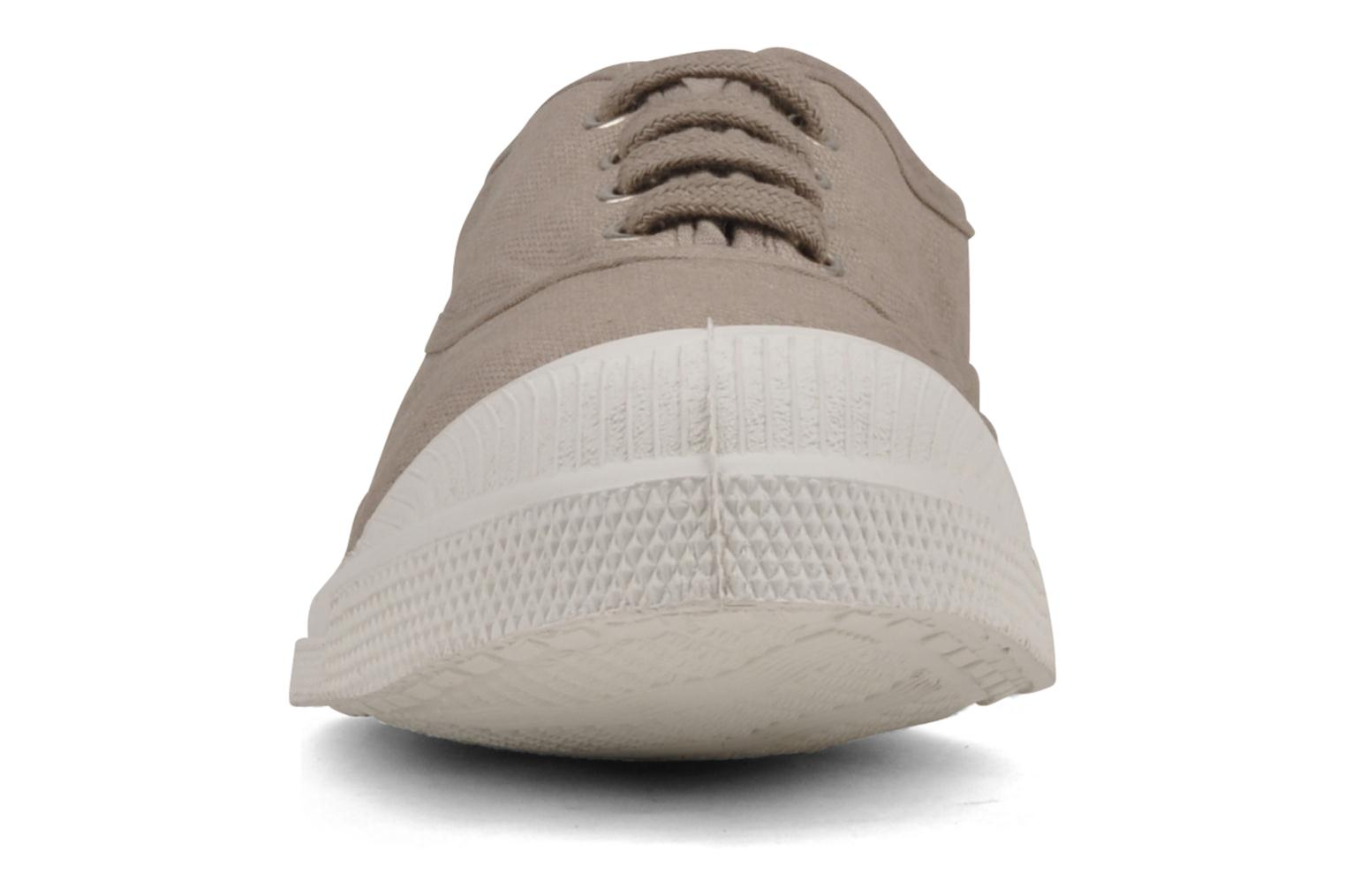 Sneakers Bensimon Tennis Lacets Beige modello indossato