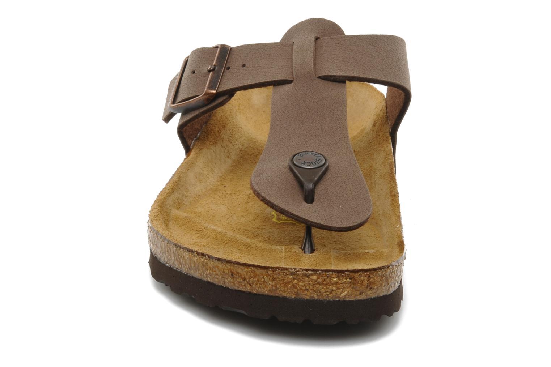 Tongs Birkenstock Medina Flor M Marron vue portées chaussures