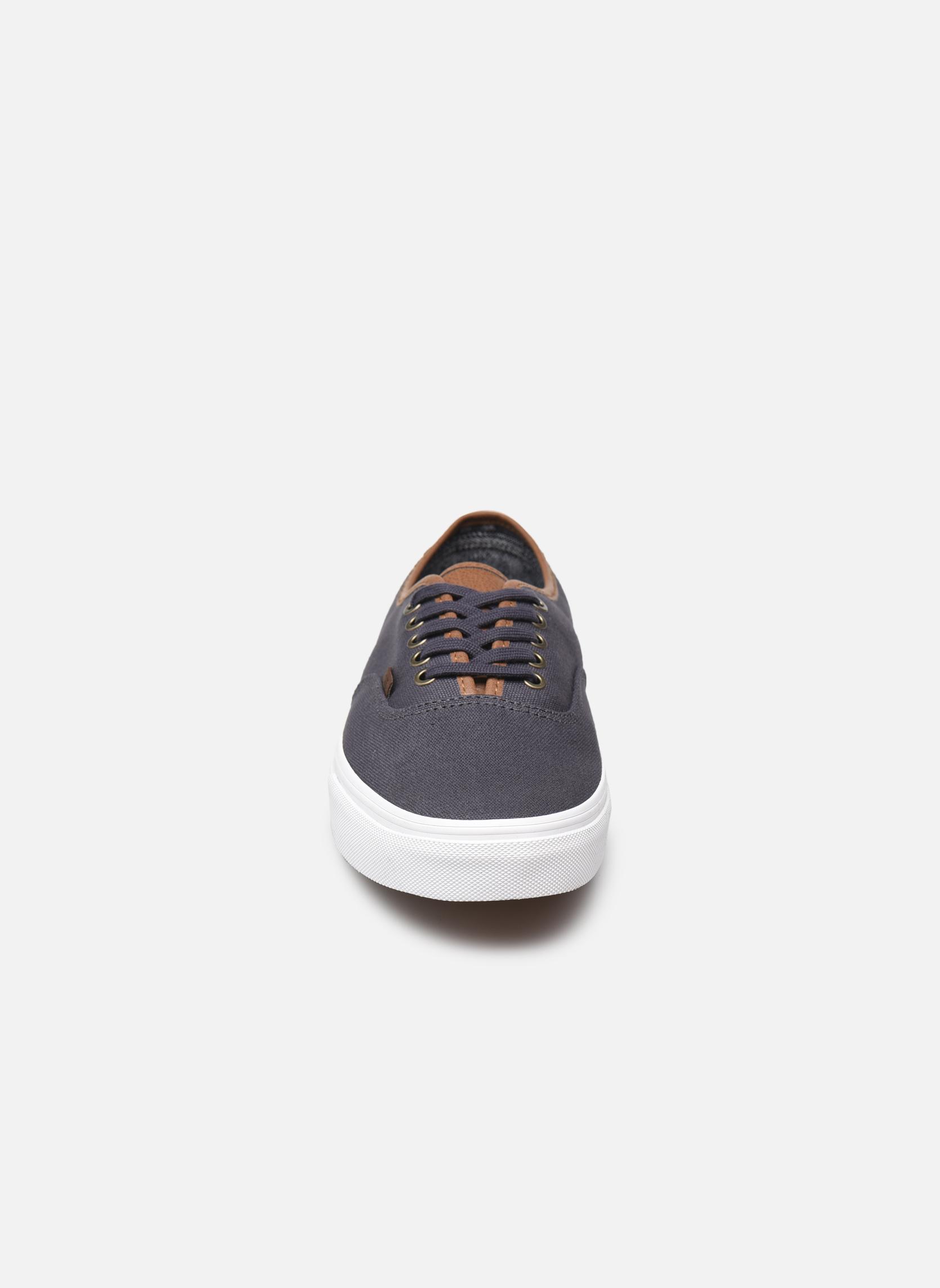 Sneakers Vans Authentic Grigio modello indossato