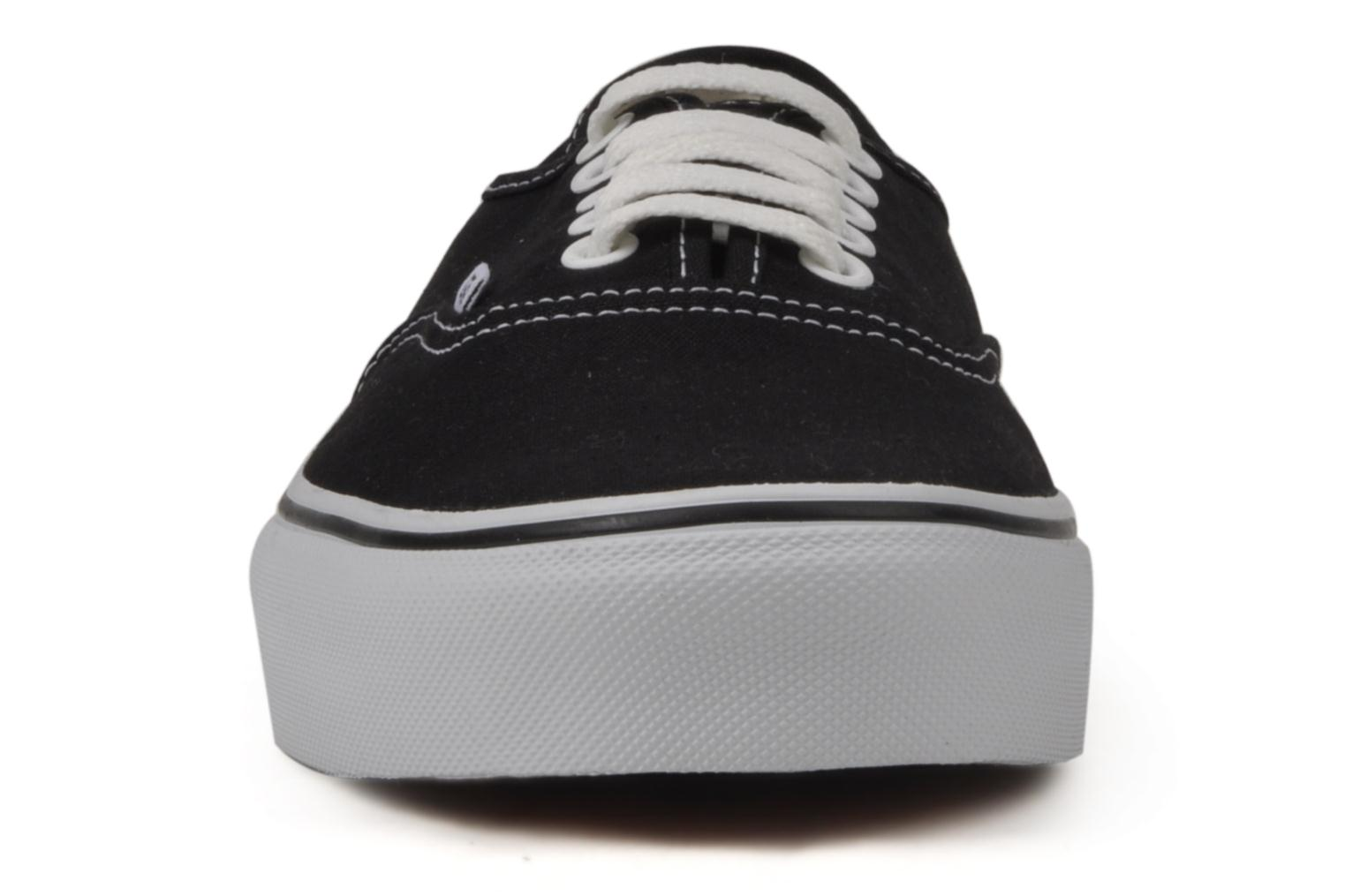 Deportivas Vans Authentic Negro vista del modelo