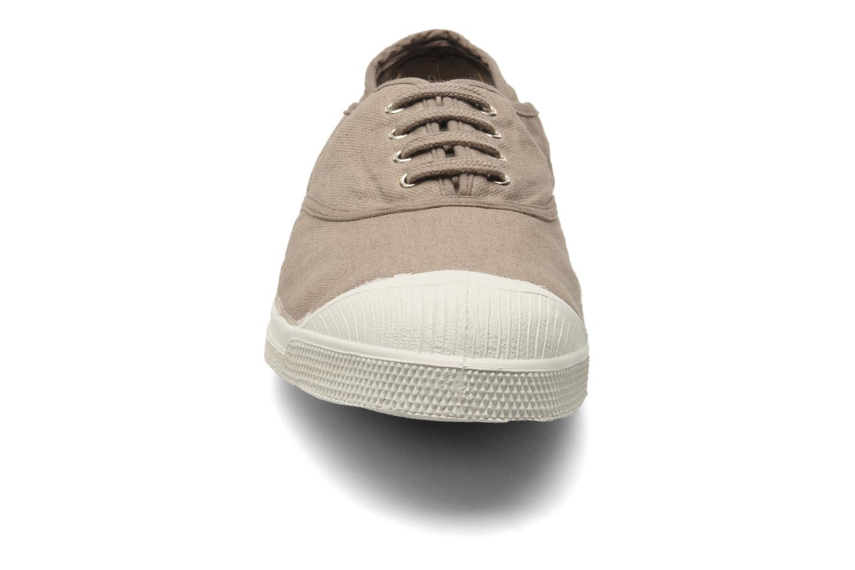 Baskets Bensimon Tennis Lacets H Beige vue portées chaussures