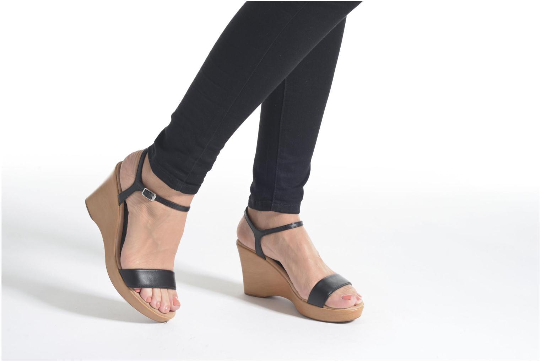 Sandales et nu-pieds Unisa Rita Blanc vue bas / vue portée sac
