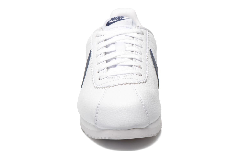 Sneaker Nike Classic Cortez Leather weiß schuhe getragen