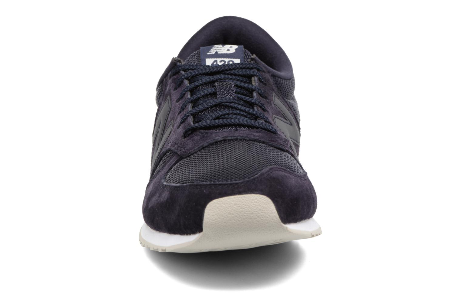Trainers New Balance U420 Blue model view