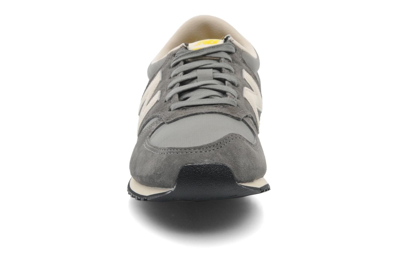 Sneakers New Balance U420 W Grijs model