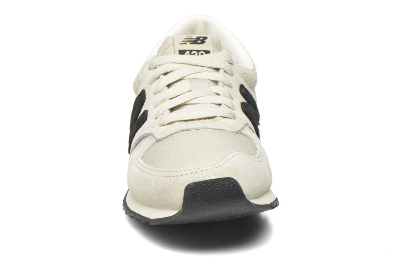 Sneaker New Balance U420 W grau schuhe getragen