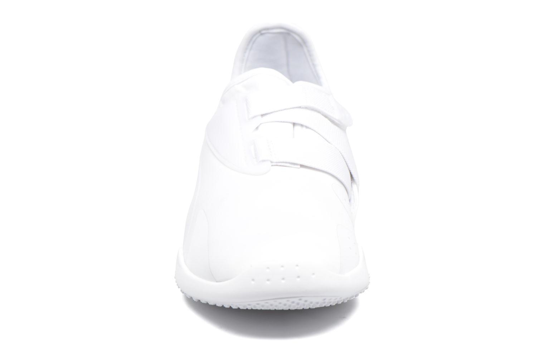 Baskets Puma Mostro W Blanc vue portées chaussures