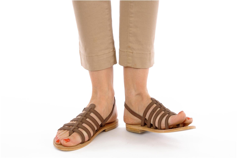 Sandalen Les Tropéziennes par M Belarbi Hook braun ansicht von unten / tasche getragen