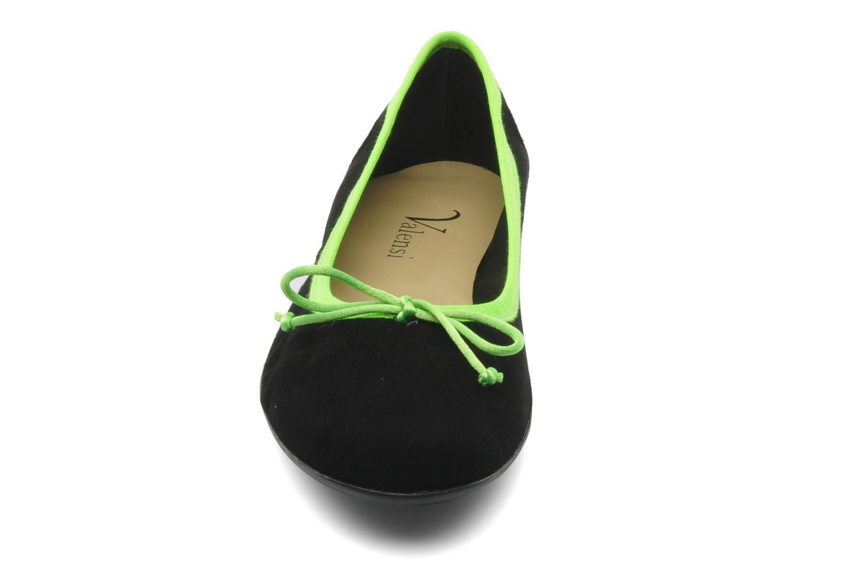 Ballerines Valensi Vega Noir vue portées chaussures