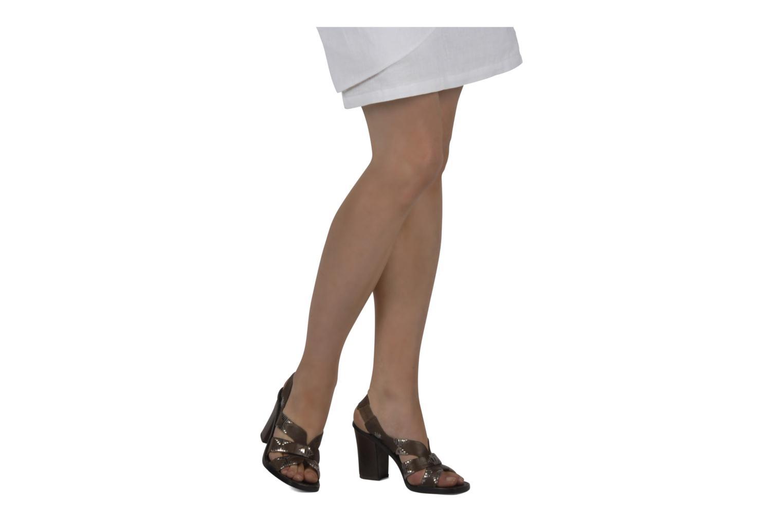 Sandales et nu-pieds Belle Catarina Marron vue bas / vue portée sac