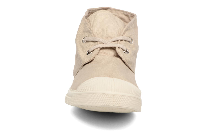 Sneakers Bensimon Nils h Beige modello indossato