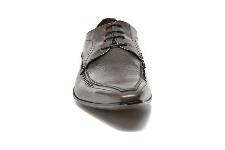 Scarpe con lacci Redskins Hello Grigio modello indossato