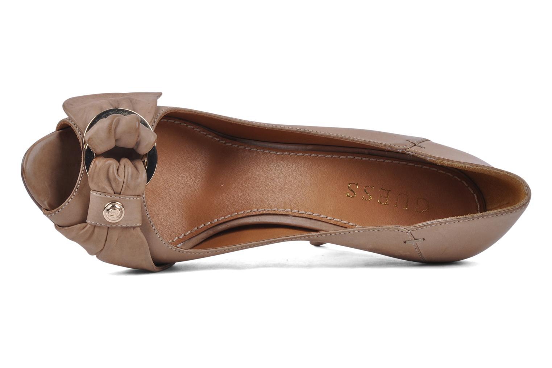 Zapatos de tacón Guess Tress Beige vista lateral izquierda