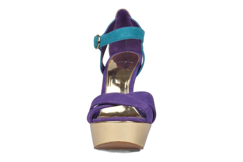 Sandales et nu-pieds Carvela Gallant Or et bronze vue portées chaussures