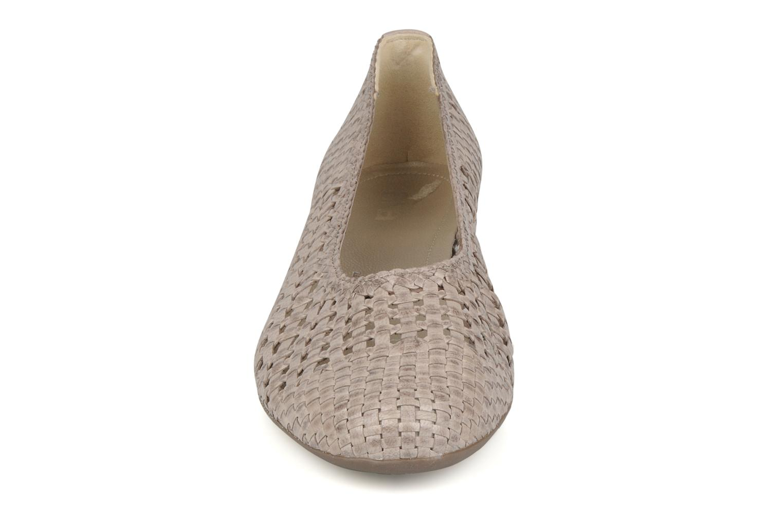 Ballerines Ara Nizza Gris vue portées chaussures