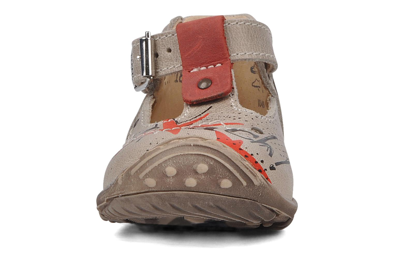 Bottines d'été Little Mary Hugues Beige vue portées chaussures