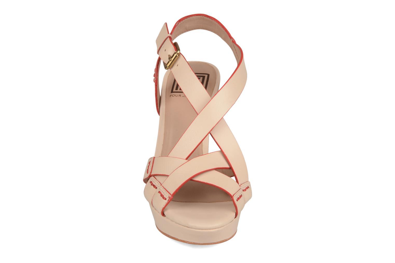 Sandales et nu-pieds Pour La Victoire Abigail Beige vue portées chaussures