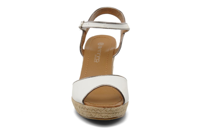 Scarpe di corda Latinas Dolores Bianco modello indossato
