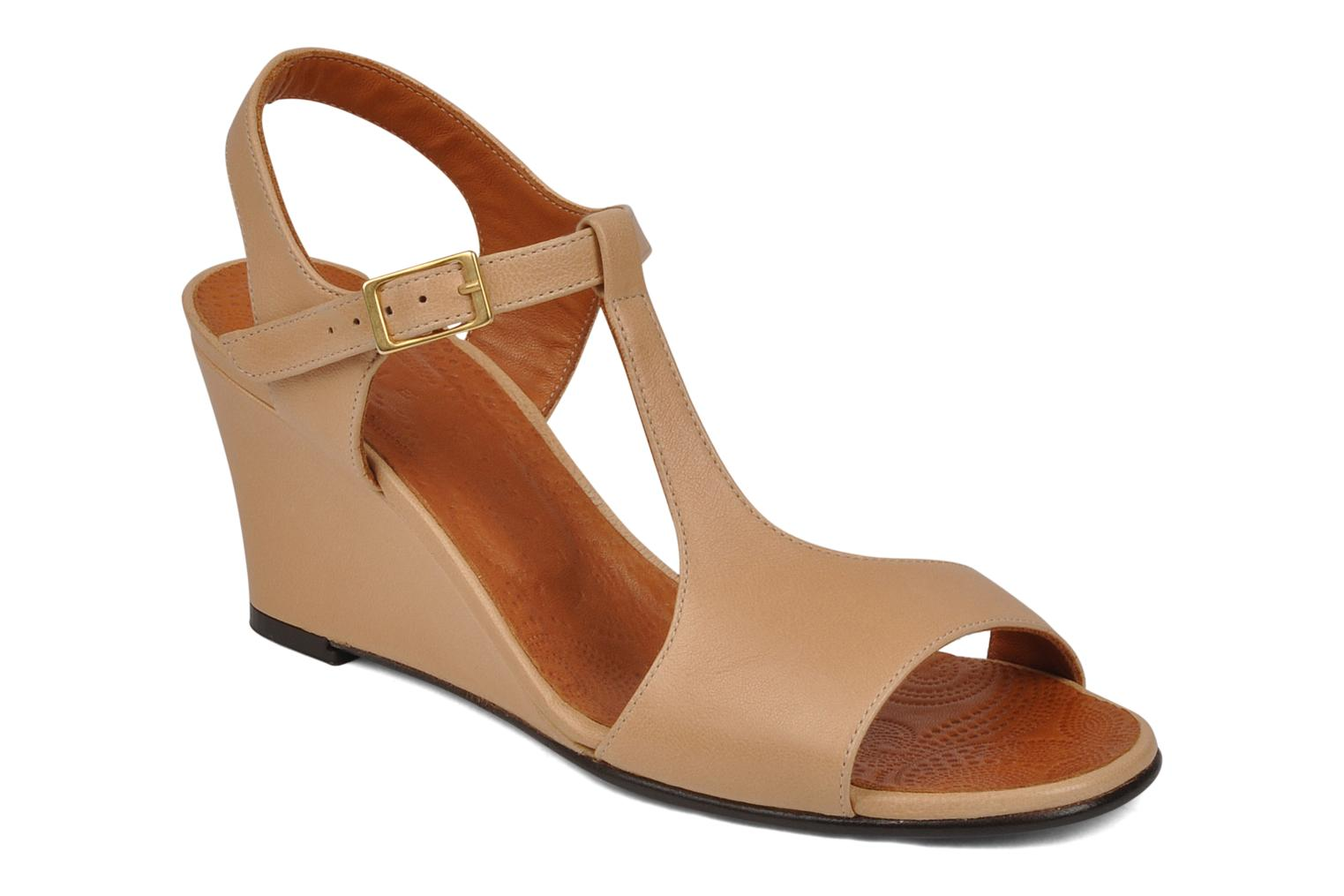 Sandals Chie Mihara Reparto Beige detailed view/ Pair view