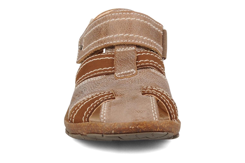 Sandali e scarpe aperte Primigi Torquato Marrone modello indossato