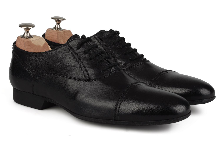 Lace-up shoes Doucal's Yann Black 3/4 view