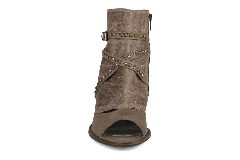 Sandales et nu-pieds Muratti Bergen Marron vue portées chaussures